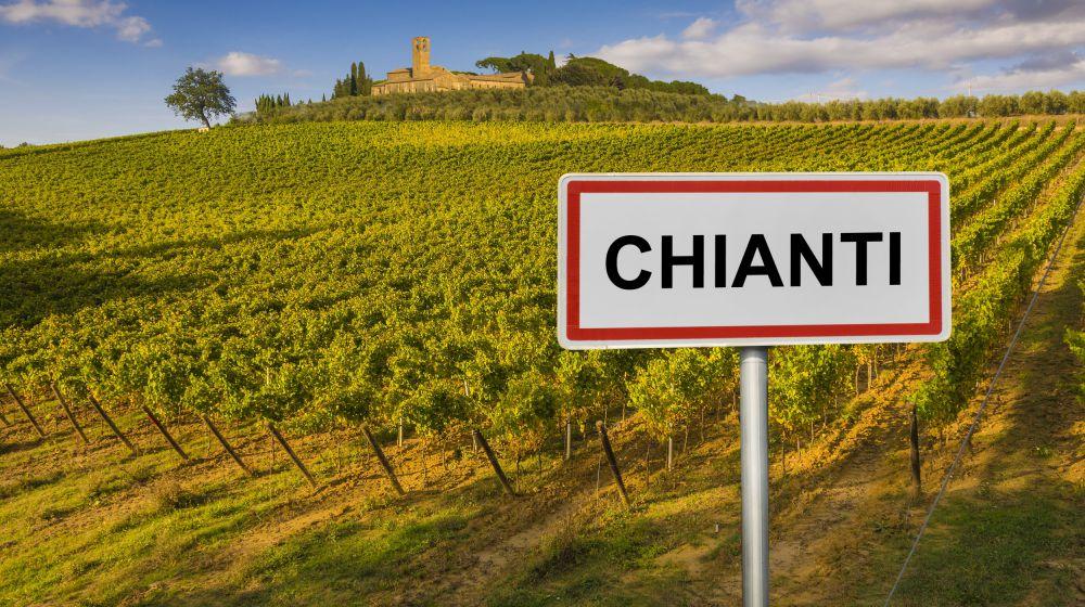 eng alt THE CHIANTI REGION, 40 KM --- dsadsdsa lkjd --- Land of prestigious wines ---- salkjdsa ksa jdlksajdsalkd