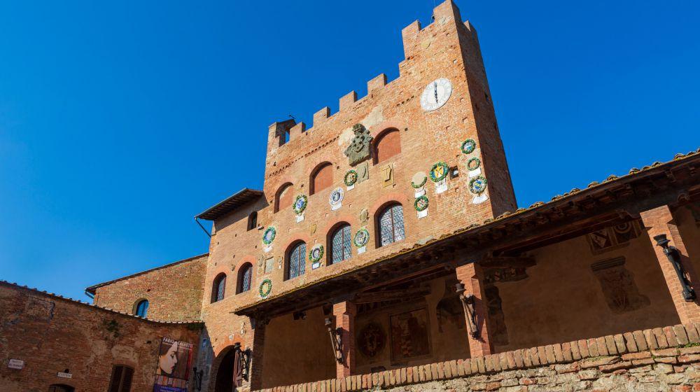 eng alt CERTALDO, 12 KM --- dsadsdsa lkjd --- Hometown of Giovanni Boccaccio  ---- salkjdsa ksa jdlksajdsalkd