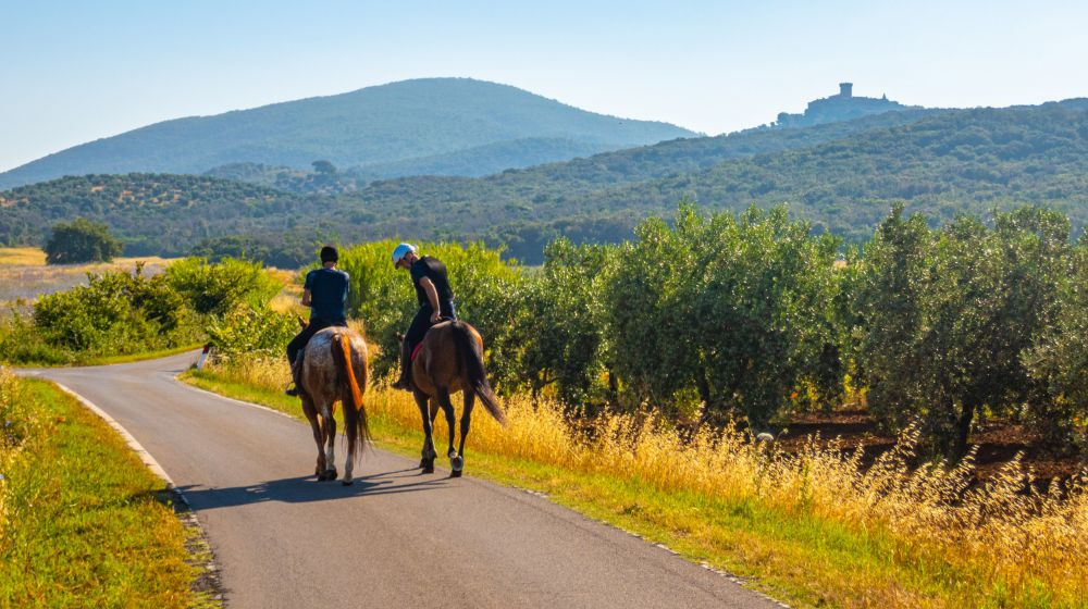HORSEBACK RIDING Along ancient paths in the nature